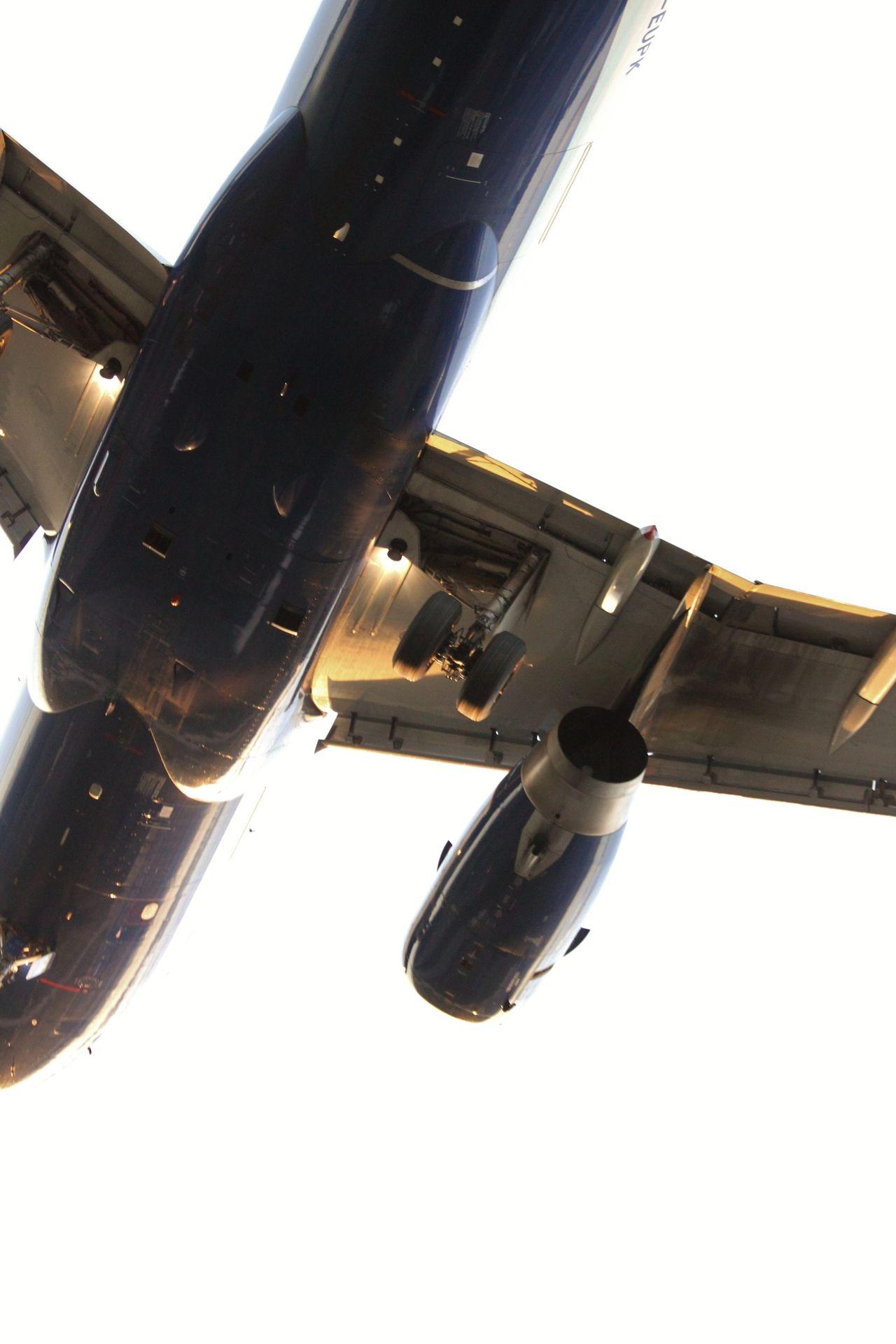 ❦  airviation:  British Airways Airbus A319-131