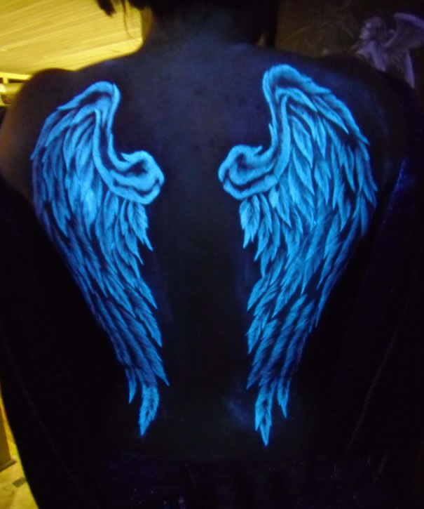 47 Glow In The Dark Tattoos Look Awesome In Uv Blacklight Awesome