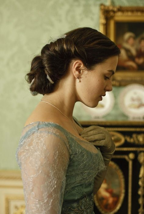 Allen Leech and Jessica Brown Findlay in Downton Abbey