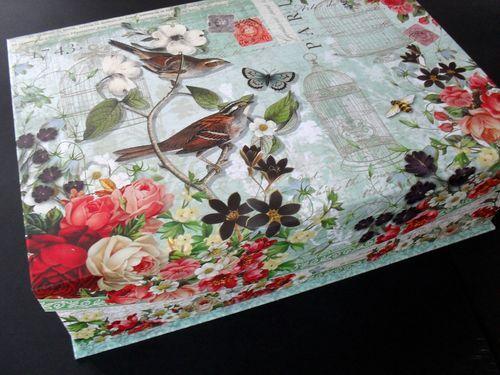 photo n°1 : Belle boîte coffre de rangement collection Punch Studio modèle Fleur de Triomphe