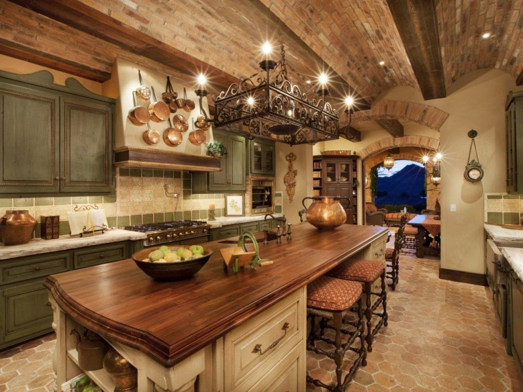 Exceptionnel Architecture Tuscany: Interesting Tuscan Italian Kitchen Decor Inspiration  Comes With Wood Countertop Kitchen Island And Attractive Gold Accents Also  Brick ...