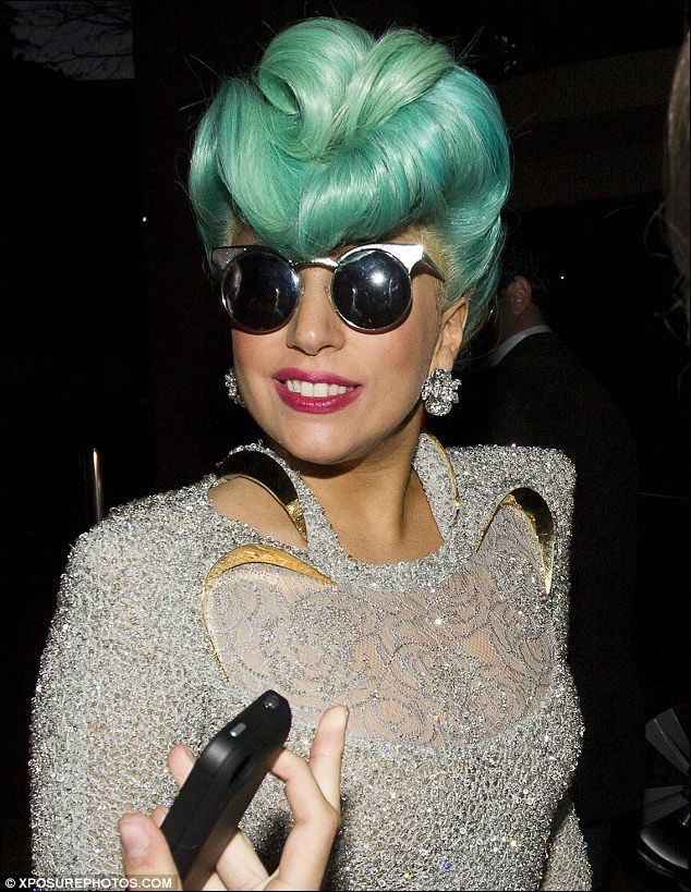Pin by 識惠 戴 on 染髮綠 Lady gaga hair, Hair styles, Cool