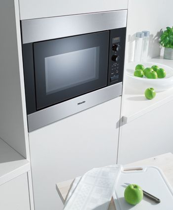 Miele Microwave Oven M 8260 1