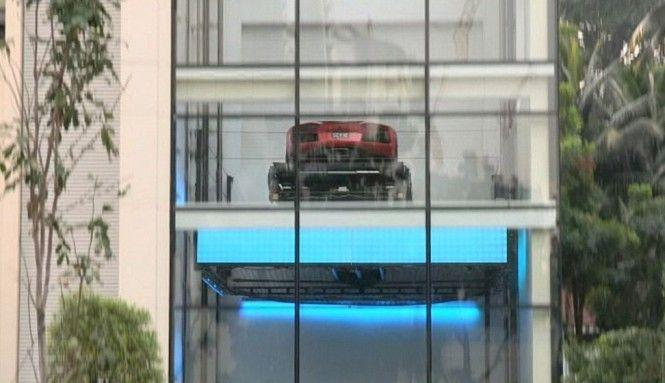 Singapore Hamilton Car Lift