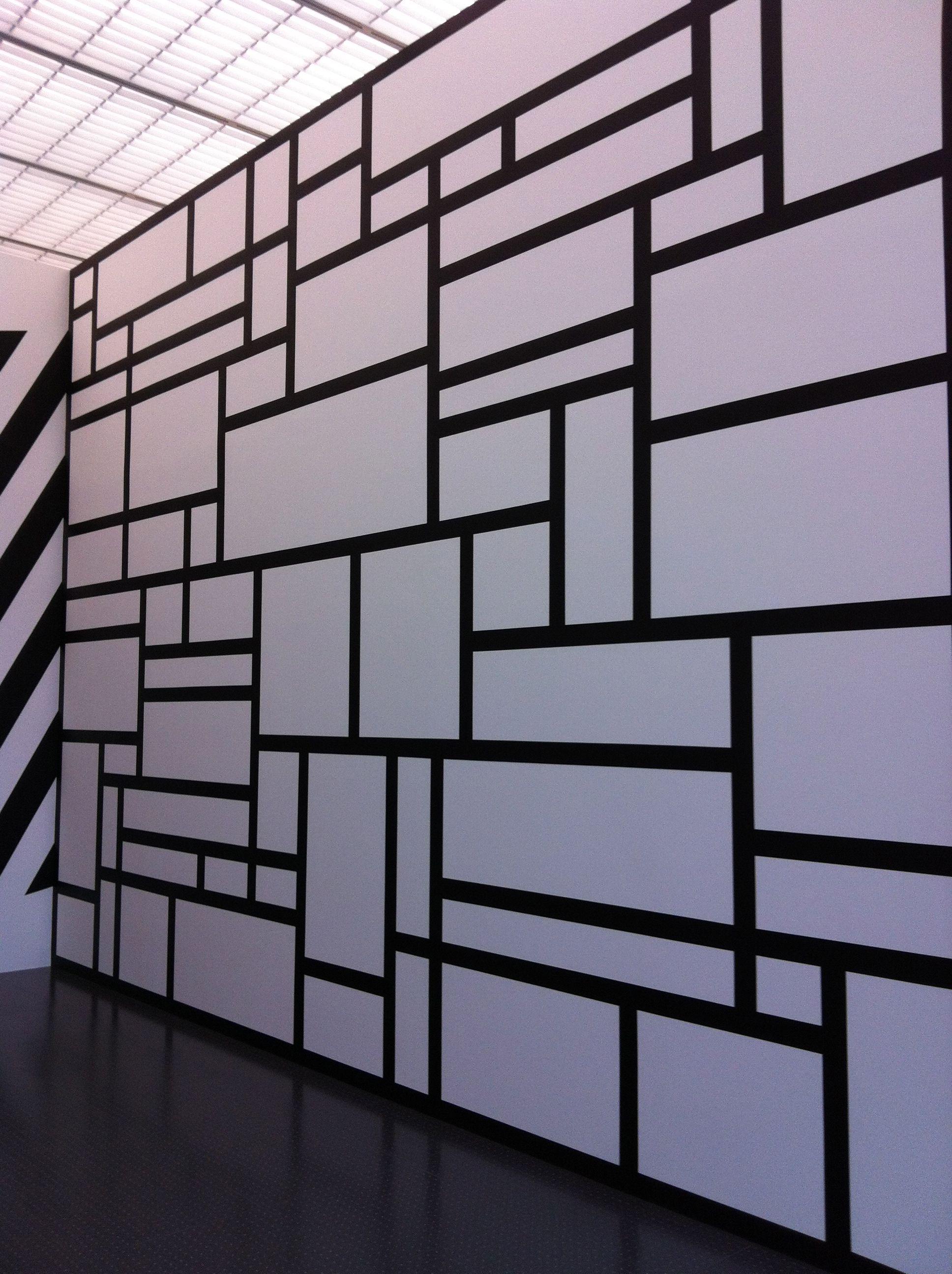 Exhibit of Sol Lewitt in Pompidou ( Metz- France)..  Expo de Sol Lewitt au centre Pompidou de Metz - France