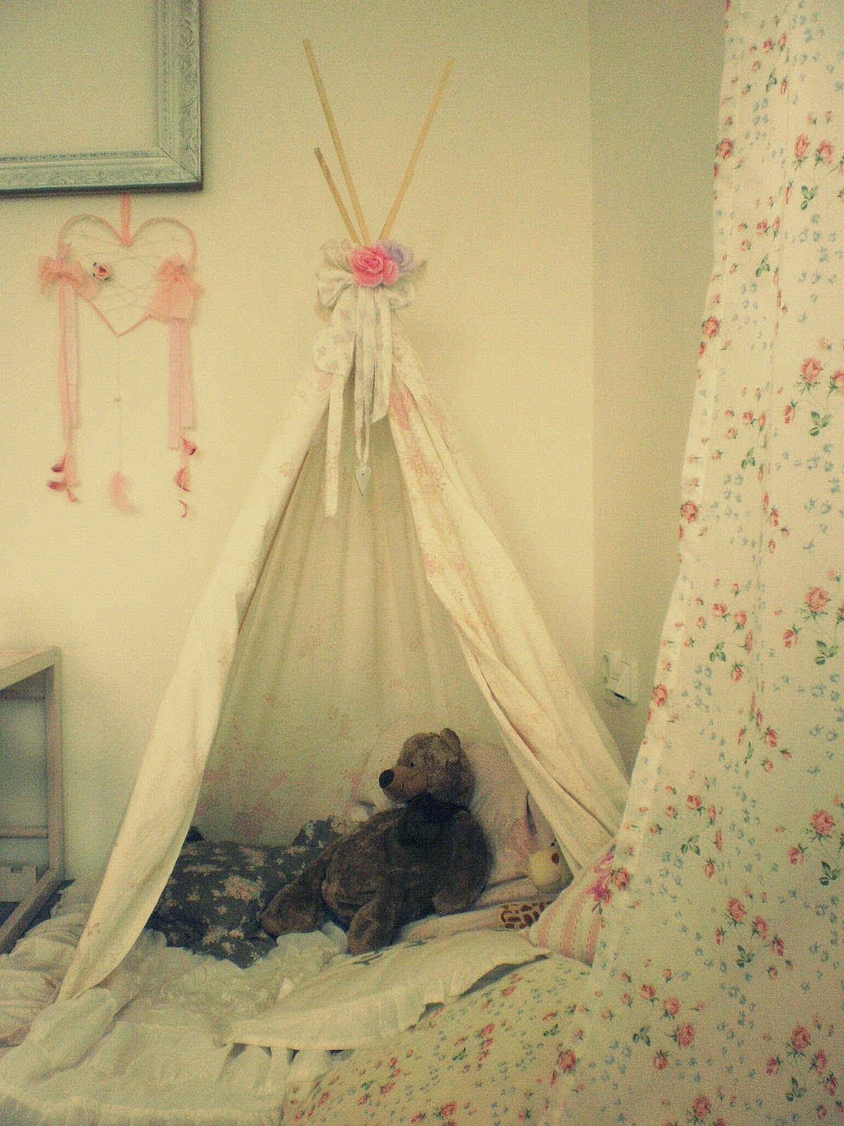 Shabby Chic indian teepee for my little girl :-)