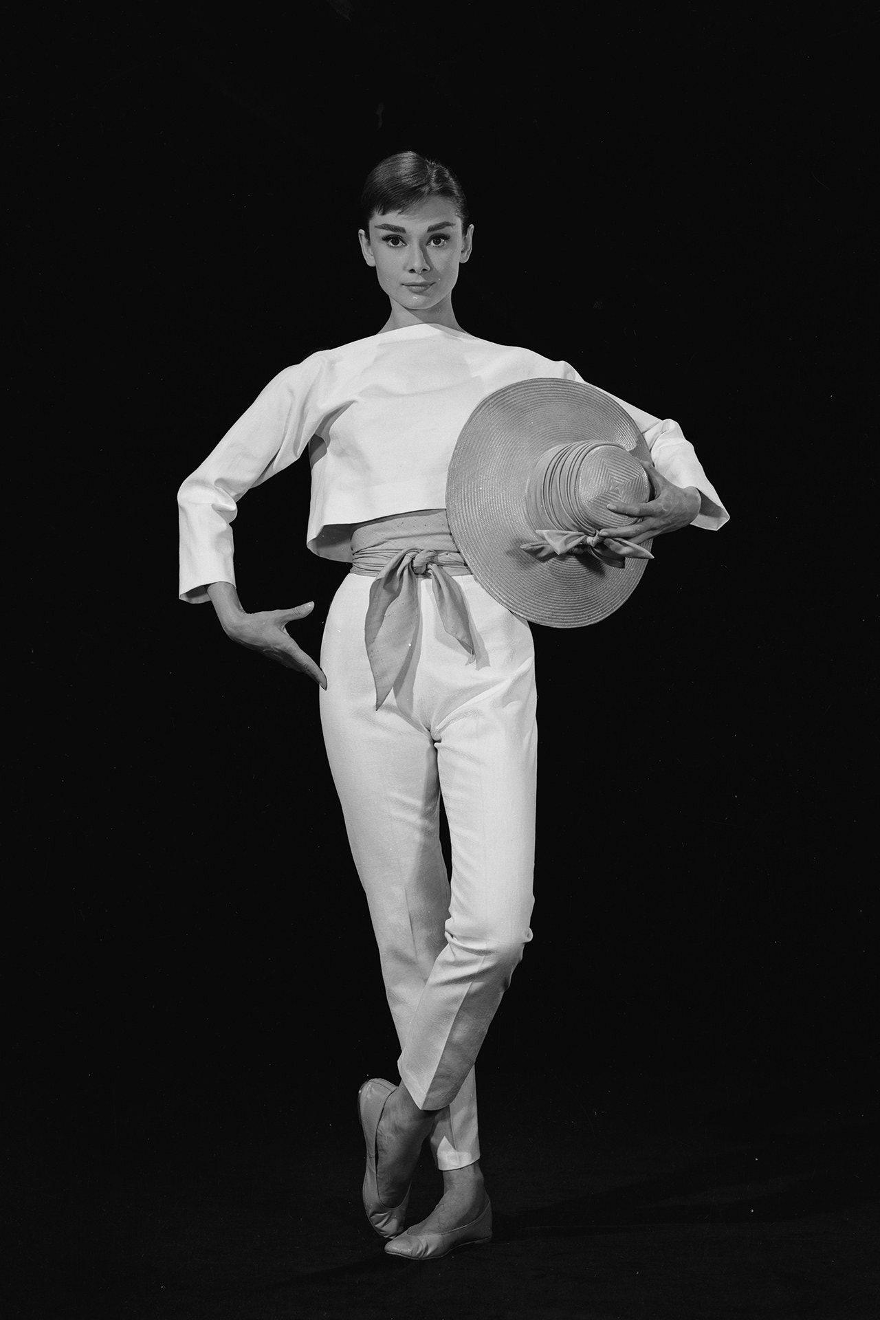 Audrey Hepburn and Hubert de Givenchy's iconic friendship in 25 vintage photos | Audrey hepburn funny face, Audrey hepburn photos, Audrey hepburn givenchy