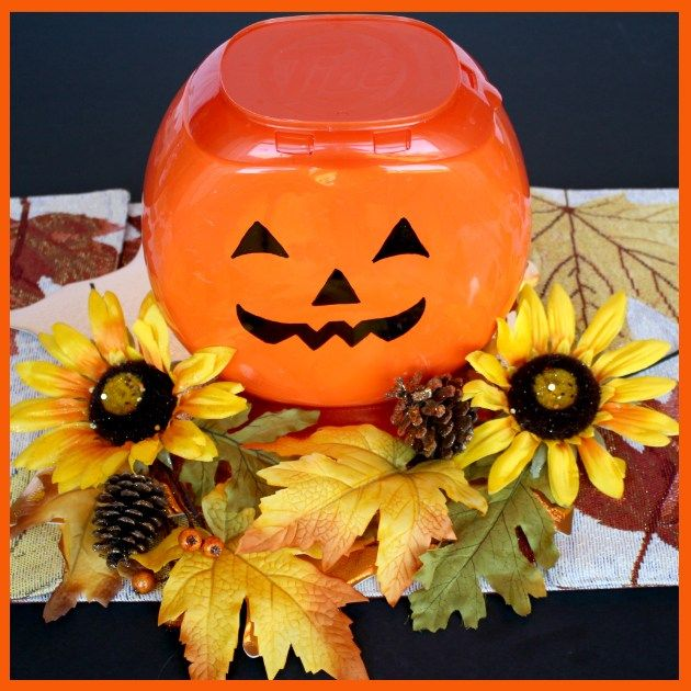 DIY Pumpkin Centerpiece plus Save with Smart Coupons at Family Dollar® #tidepodscontainercrafts