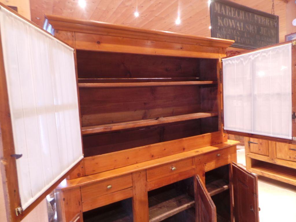 meuble de montagne savoyard perfect banquette cuisine d angle eco meubles de montagne meuble. Black Bedroom Furniture Sets. Home Design Ideas
