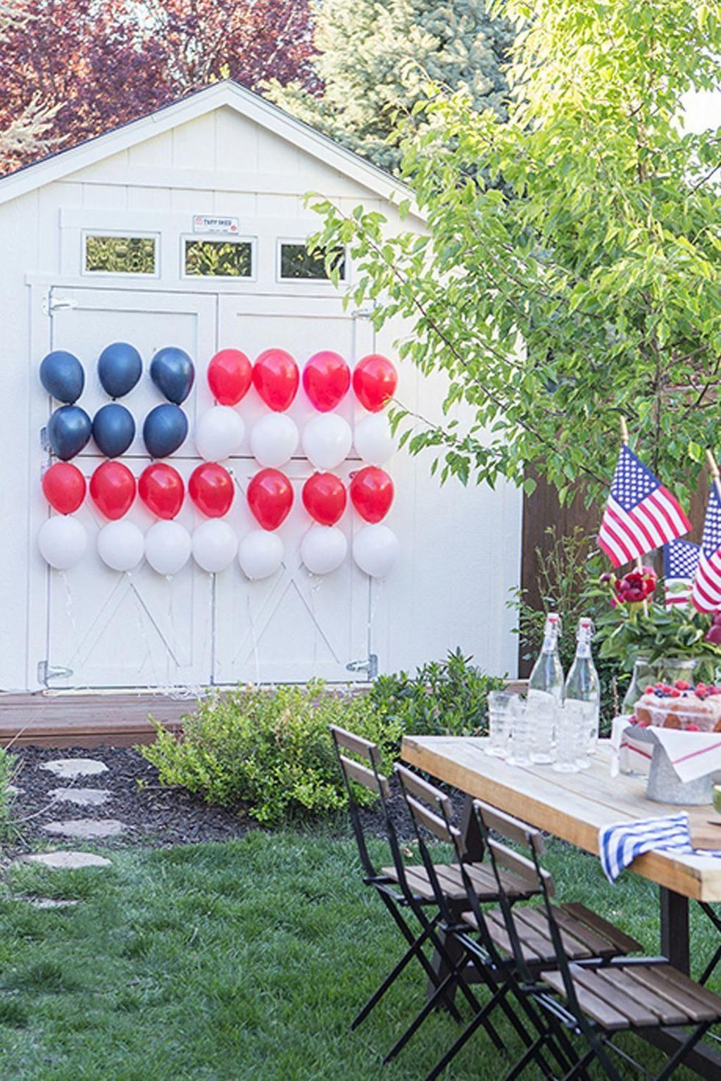30 Easy Outdoor Decoration Ideas For Independence Day Trenduhome July Crafts 4th Of July Decorations 4th Of July Party
