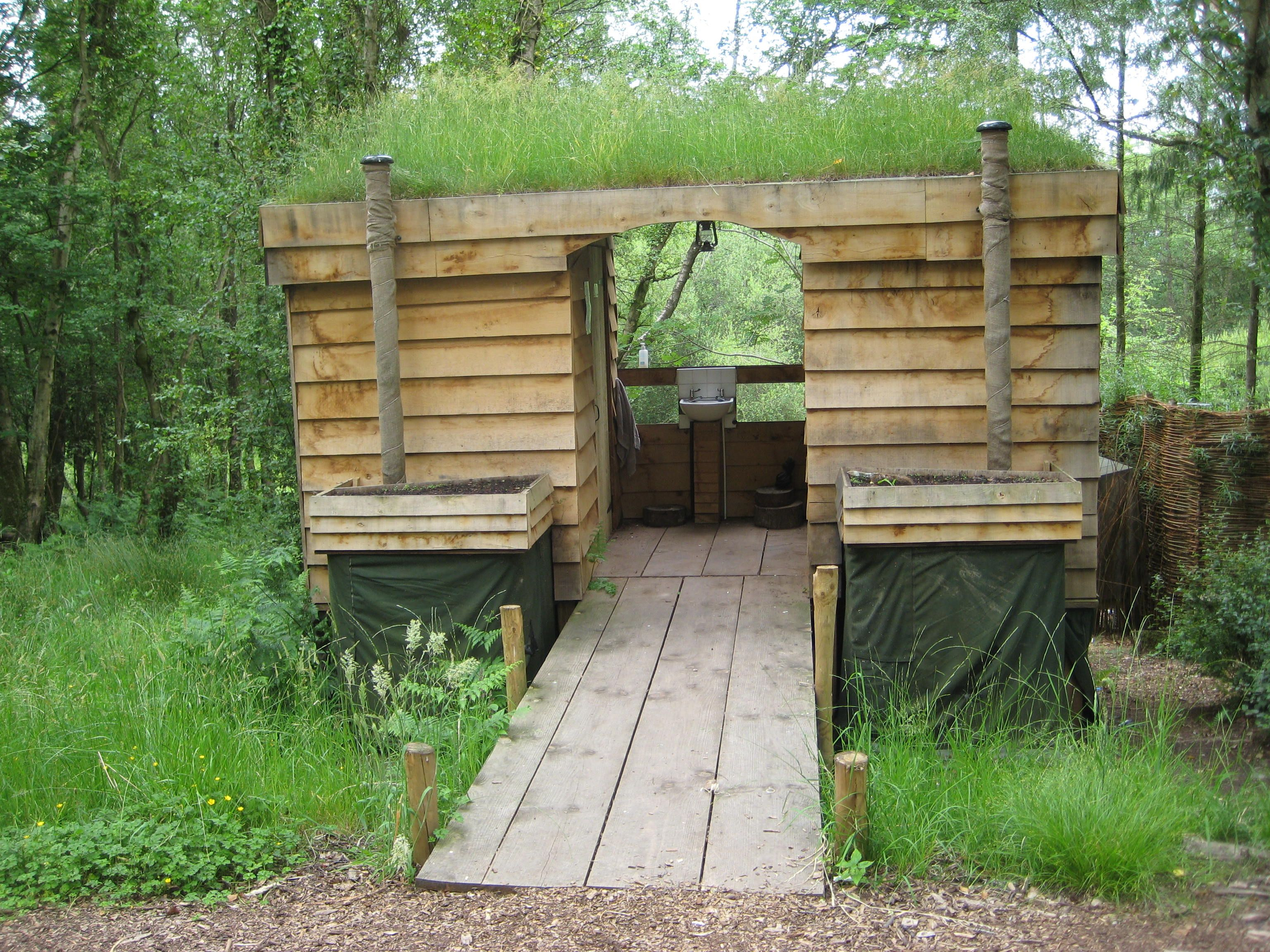 Camping Composting Toilet : The eco toilets at guy mallinson s woodland carving campsite