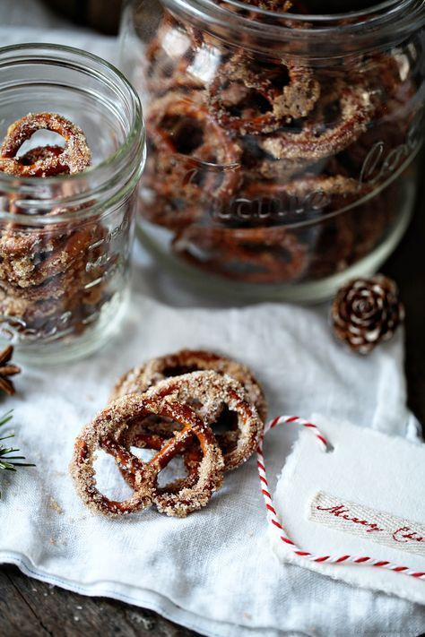 Sugar, cinnamon plus pretzels = Christmas roasted Zuckerzimtbrezn A Müncheninspirierte post from
