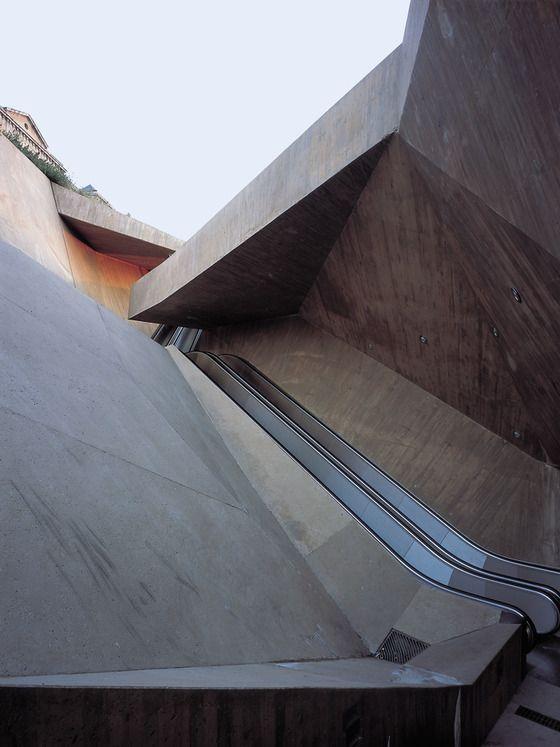 Escalator in Toledo, José Antonio Martínez Lapeña, Elías Torres Tur