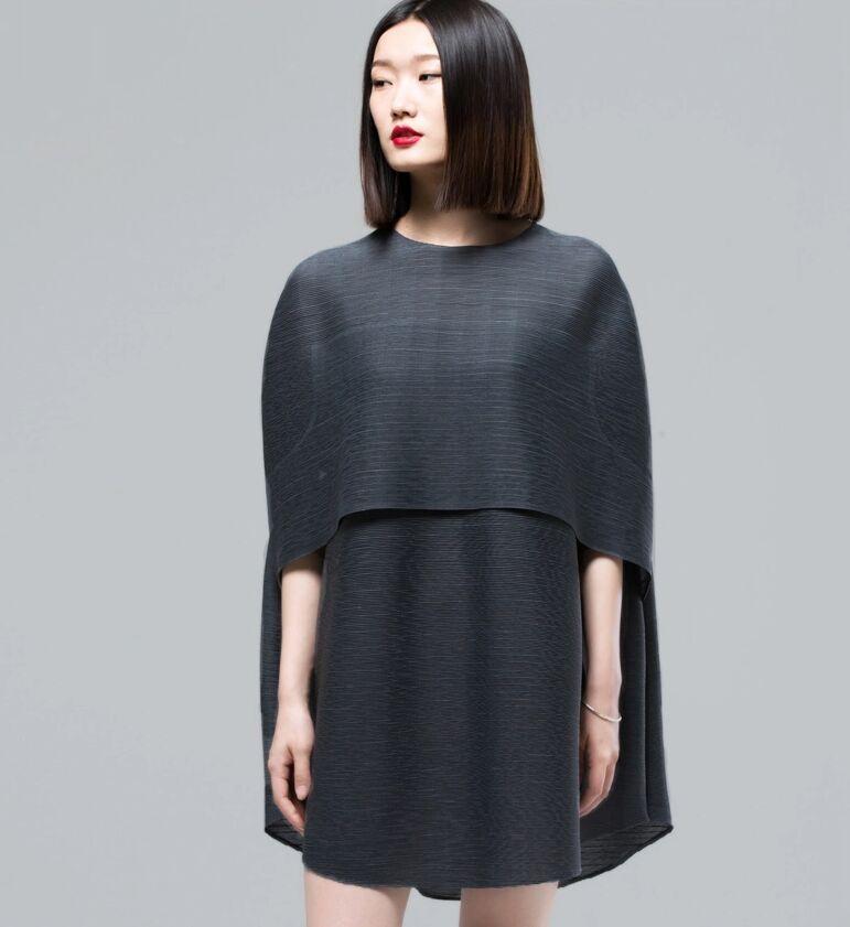 Wrinkled Shirt Designer Models Inspired By Issey Miyake Cape Style Reflecting Women S Elegance