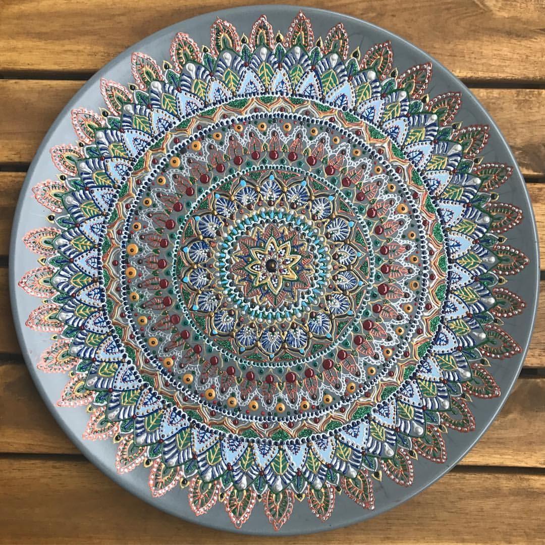 "63 Likes, 4 Comments - Victoria Wänkkö (@vitawankko) on Instagram: ""#pointtopoint #mandala #mandalaart #zen #zenart #zentangle #decor #instaart #acrylic #plate…"""