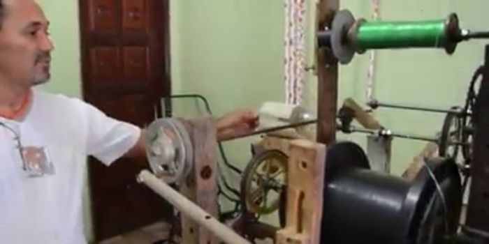 Inventor cria máquina que transforma garrafas pet em barbante e vassouras
