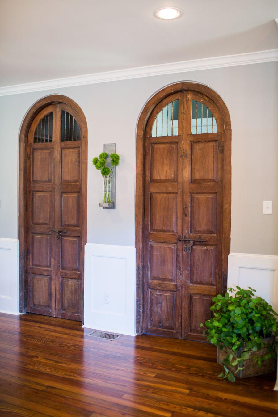our favorite hgtv fixer upper interior design moments. Black Bedroom Furniture Sets. Home Design Ideas