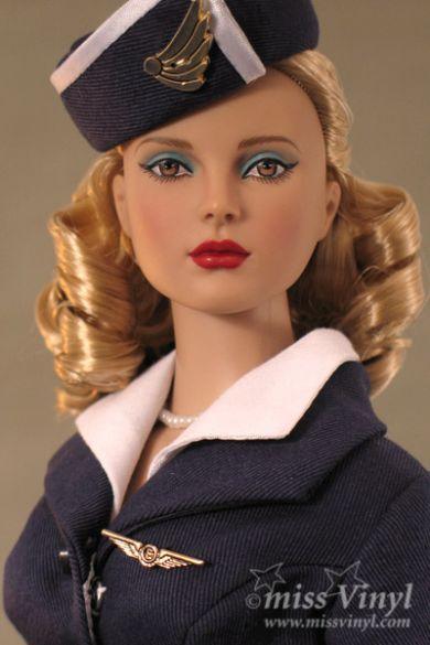 Shelly, Hôtesse de l'Air