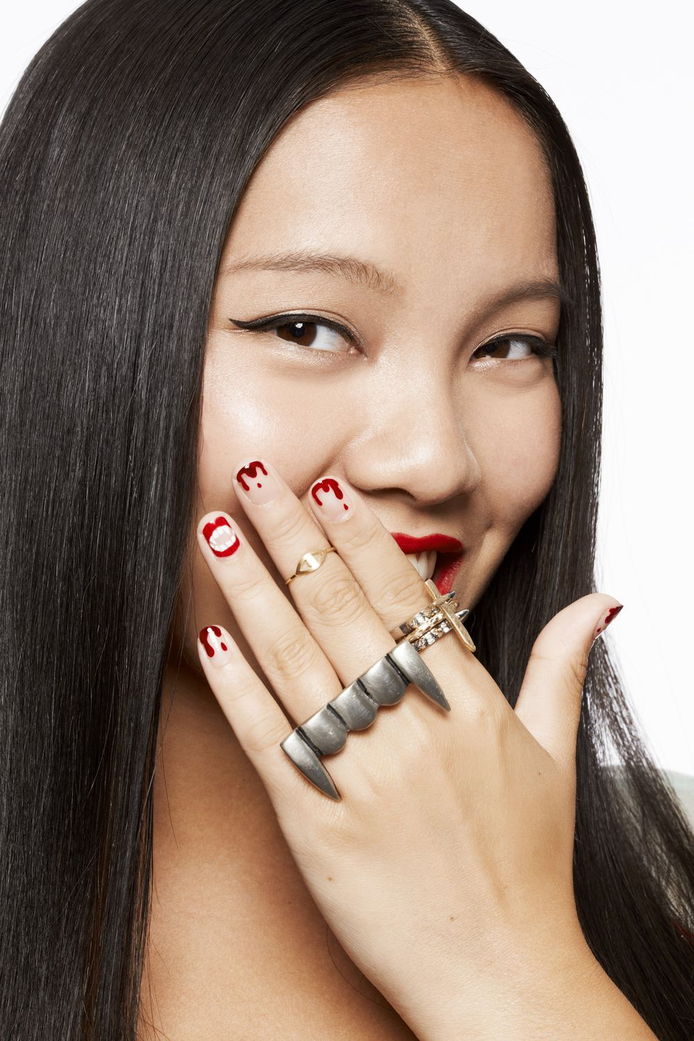 15 Creepy-Cool Halloween Manis That Are So Cute It's Scary ...