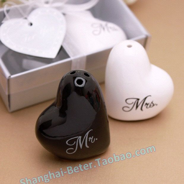 Bride And Groom Salt And Pepper Shaker Wedding Souvenirs