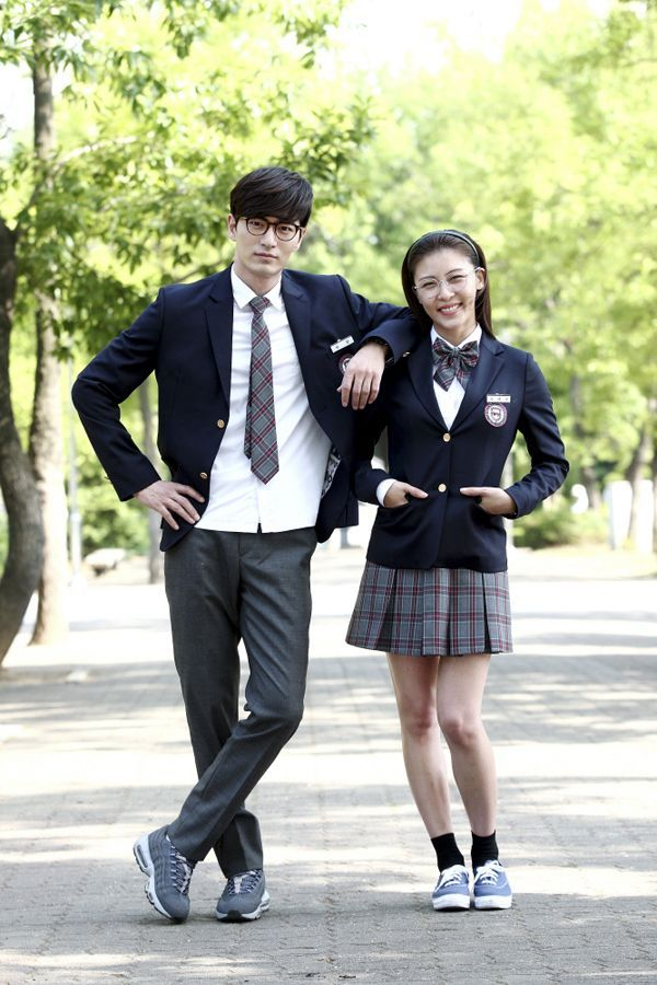 'The Time I Loved You' Ha Ji-won and Lee Jin-wook in school uniform @ HanCinema :: The Korean Movie and Drama Database