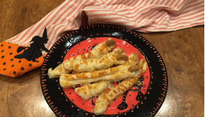 Gear Up For Halloween And Celebrate National Breadstick Day With These Cheesy Witch Fingers From Our Dairy Diva W Easy To Make Appetizers Find Recipes Recipes