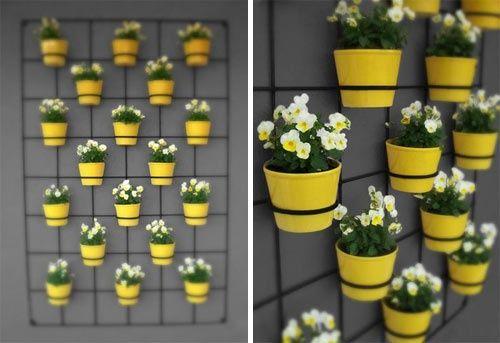 Bem Brasil! Aposte no amarelo para fazer seu jardim vertical. É tendência na decoração e também no paisagismo. #ficaadica