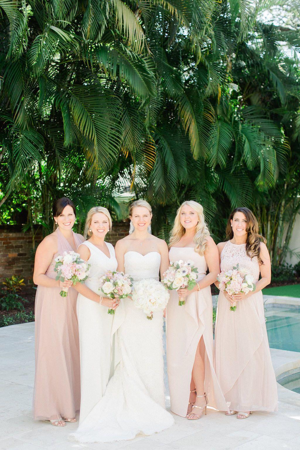 c5b79219567 Outdoor Bridal Party Portrait