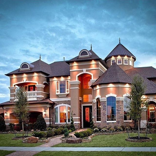 Amazing houses pinterest house future and future house for Amazing mansions