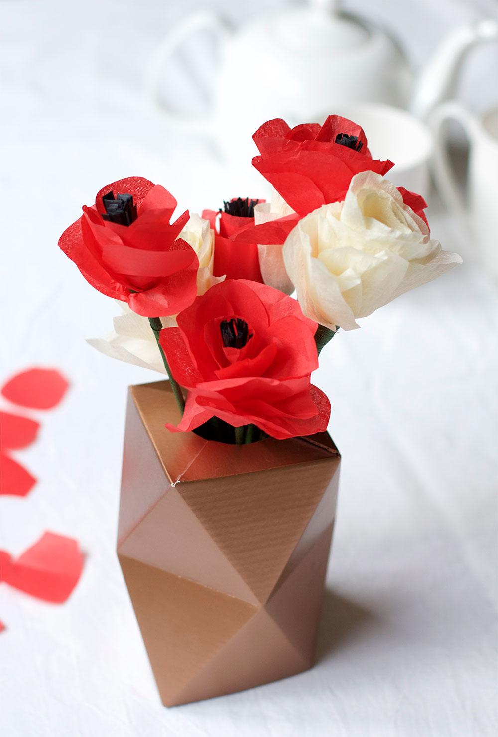 Diy Mohnblumen Aus Seidenpapier We Love Handmade In 2020 Seidenpapier Mohnblume Blumen