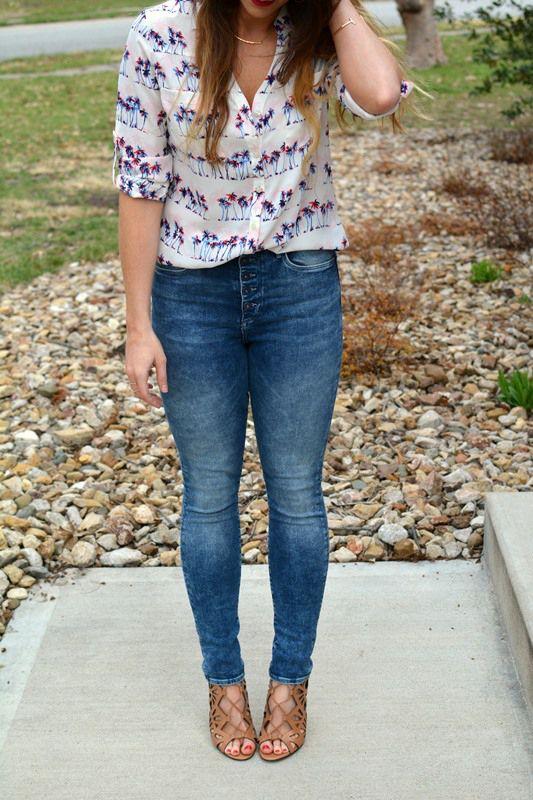 ashley from lsr, express portofino shirt, h&m acid wash jeans, dolce vita helena sandals