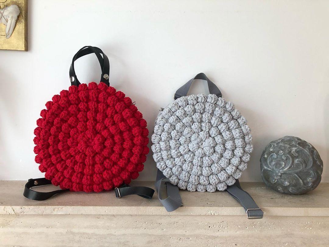 "Photo of VaBene manufaktúra on Instagram: ""Bogyósok, 2 méretben😍😍#crochetbagpack #trend #horgolt #taska #colorislife #handmade #crochetbag #divatamagyar #macaronbag #crochetbackpack…"""