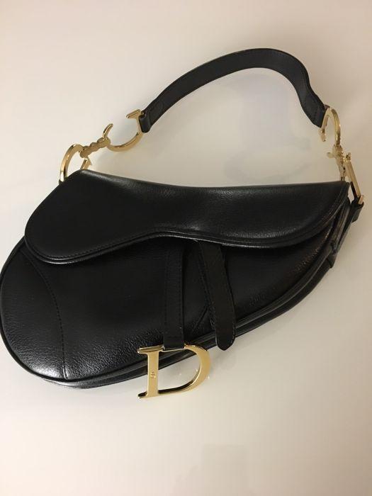 c052c015a08 Dior - zadeltas Dior zadeltas.-Zwart leer-Schouder of hand tas-In ...