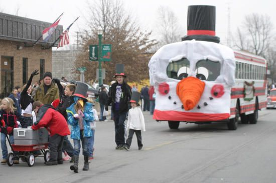 Christmas Parade Bus | The annual Monett christmas parade was held ...