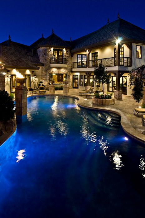 Big Houses With Pools Inside The House