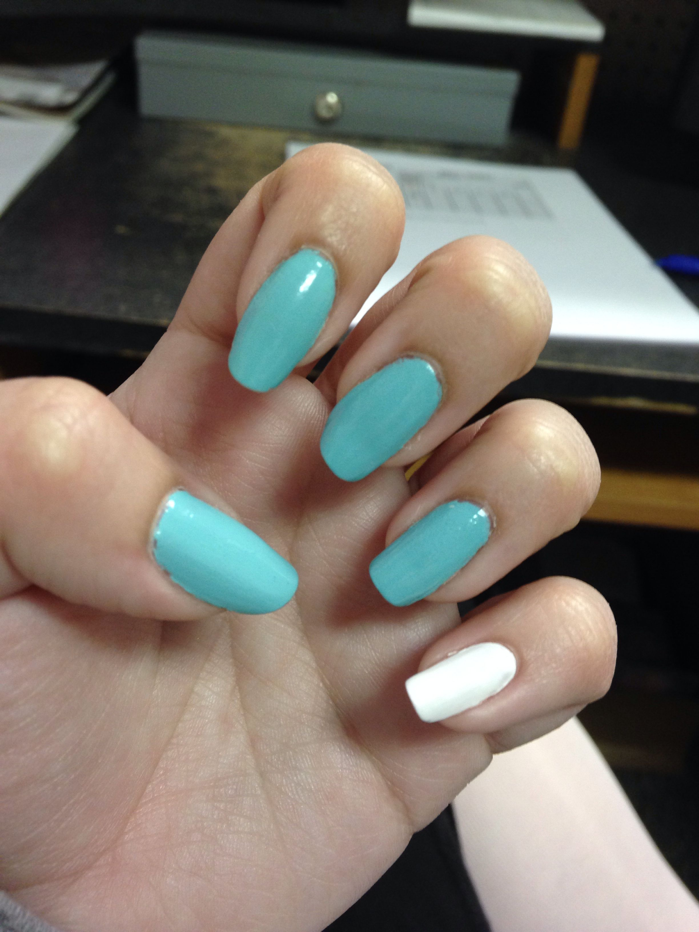 New nail style! Pinkie nail a different color | beauty | Pinterest