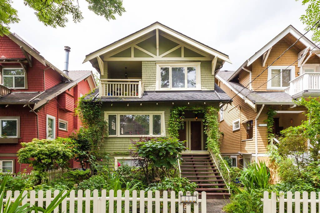 Airbnb Heritage Home In Kitsilano Minutes To The Beach Houses For Rent In Vancouver House Styles Renting A House Vacation Home