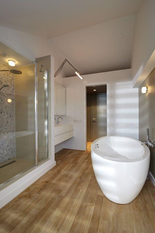 vakantie-huis-loosdrecht-himacs-maatwerk-bakken-blinde-spiegelkast ...