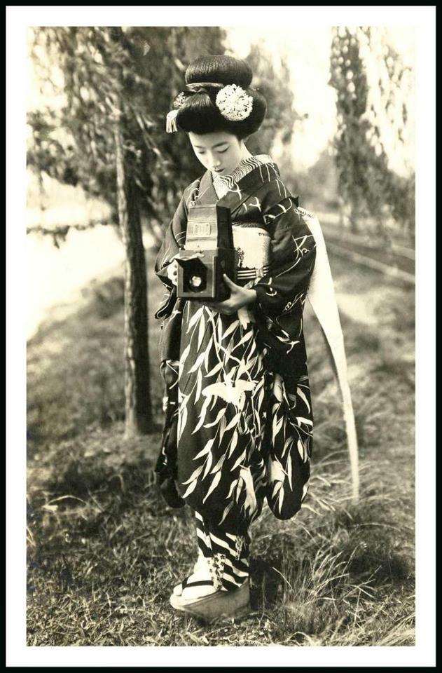 Maiko Hatsuko and Her Camera, 1920s..