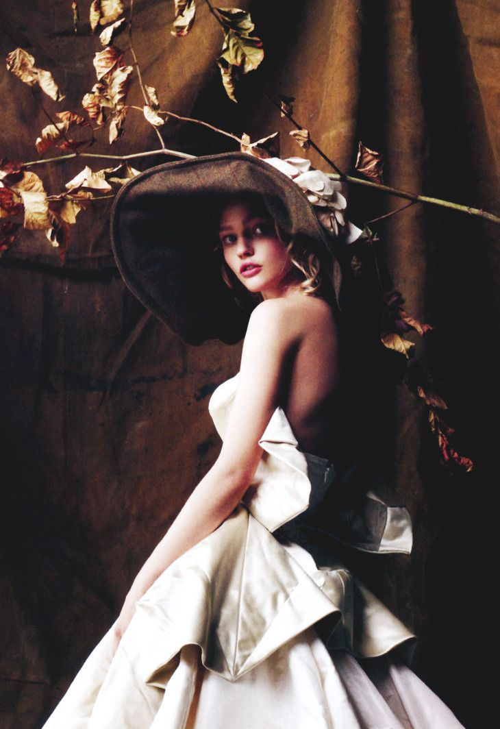 Vogue UK December 2007 Model: Sasha Pivovarova