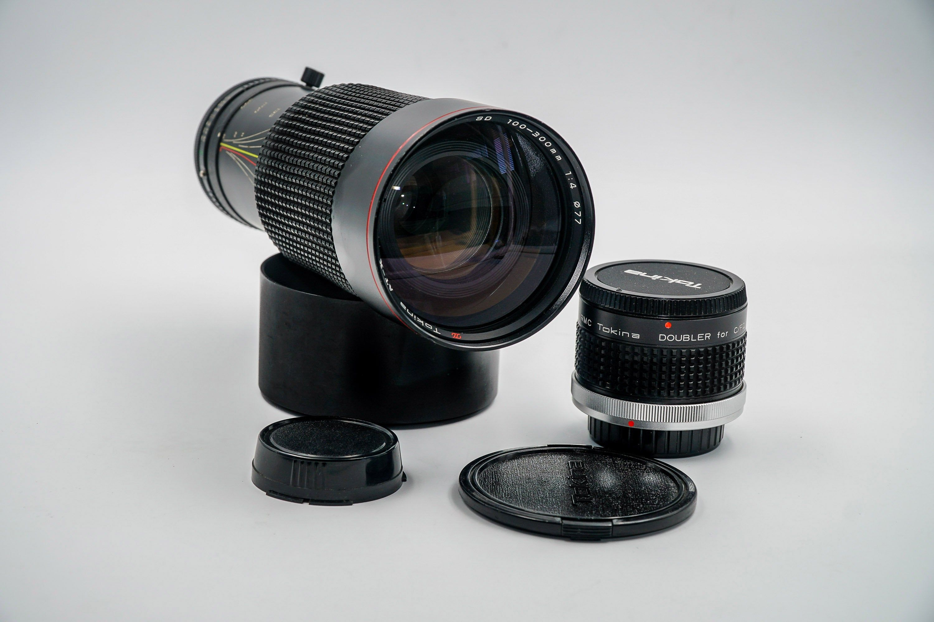 Tokina 100 300mm At X With Constant F4 Aperture Lens Canon Fd Etsy Leather Case Aperture Telephoto Zoom Lens