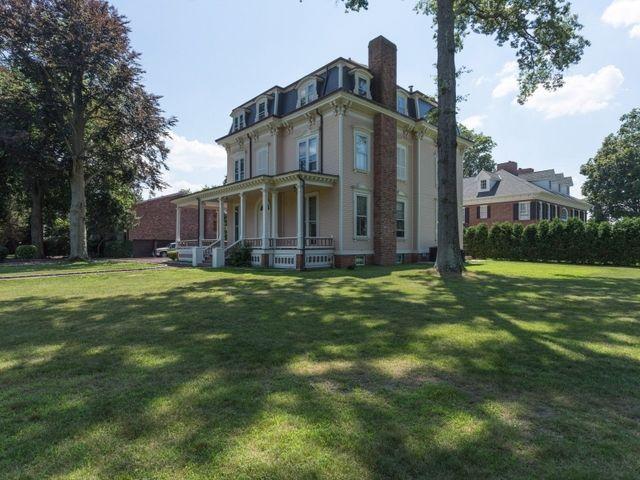 Historic Apostle Home At 24 Rockaway Ave Garden City Ny Garden