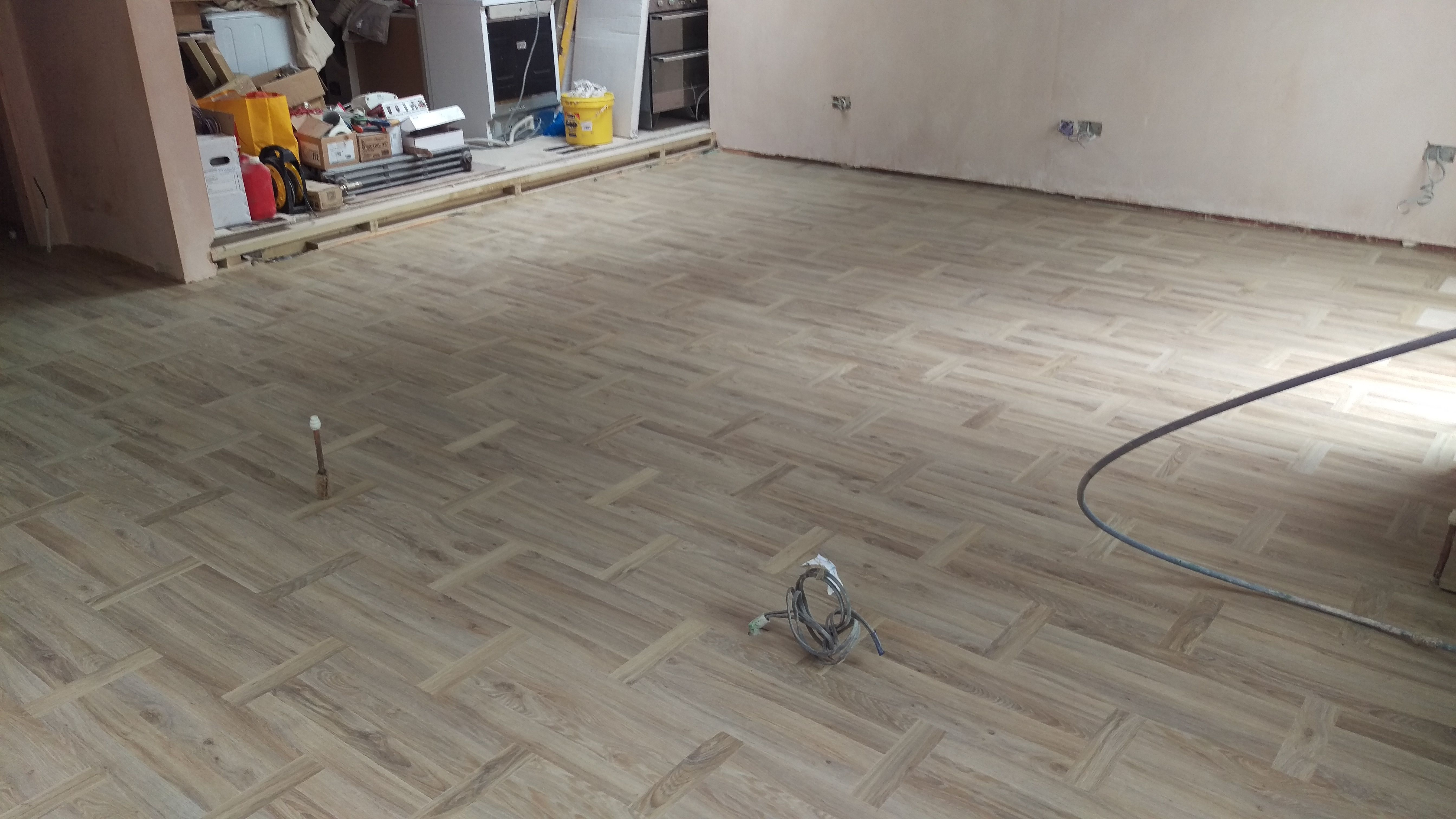 A basket weave style wooden effect floor | Moduleo Mood Basketweave ...