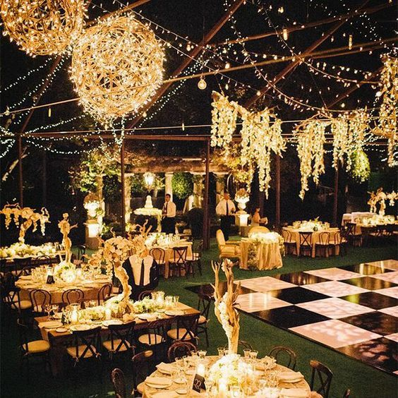 Outdoor Wedding Set Up Ideas: 40 Romantic And Whimsical Wedding Lighting Ideas