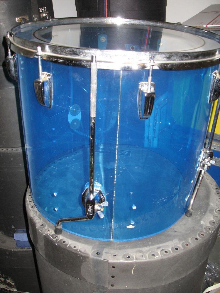 Blue Vistalite 18 Floor Tom Drum Vintage Ludwig From The 70 S Case And Legs Ludwig Tom Drum Drums Blue