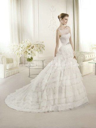 San Patrick ARANTXA Strapless A-Line Wedding Dress with chapel train