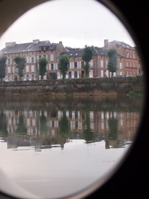 View from porthole of chambres d hotes p niche hotel boat - Chambre d hotes charleville mezieres ...