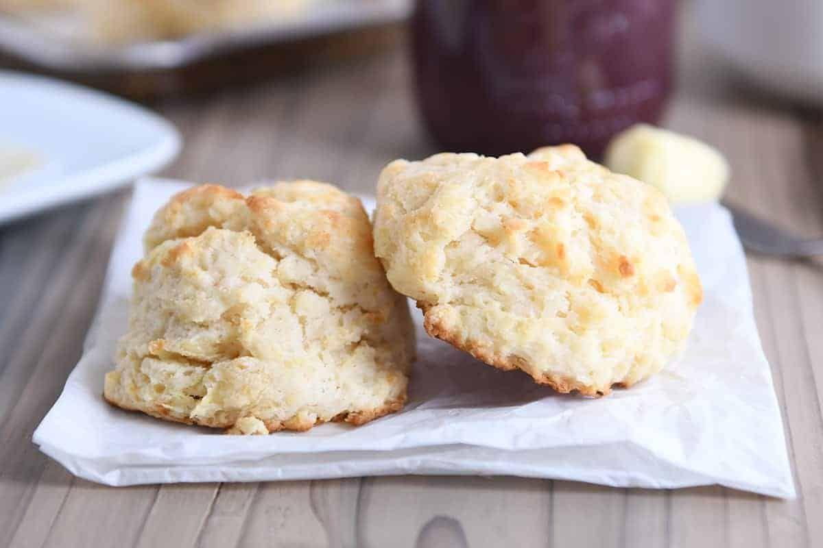 Simple Buttermilk Drop Biscuits Mel S Kitchen Cafe Recipe In 2020 Buttermilk Drop Biscuits Drop Biscuits Easy Drop Biscuits