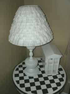 Shabby sheek upcycle lamp milkglass - $25 (Wyoming)