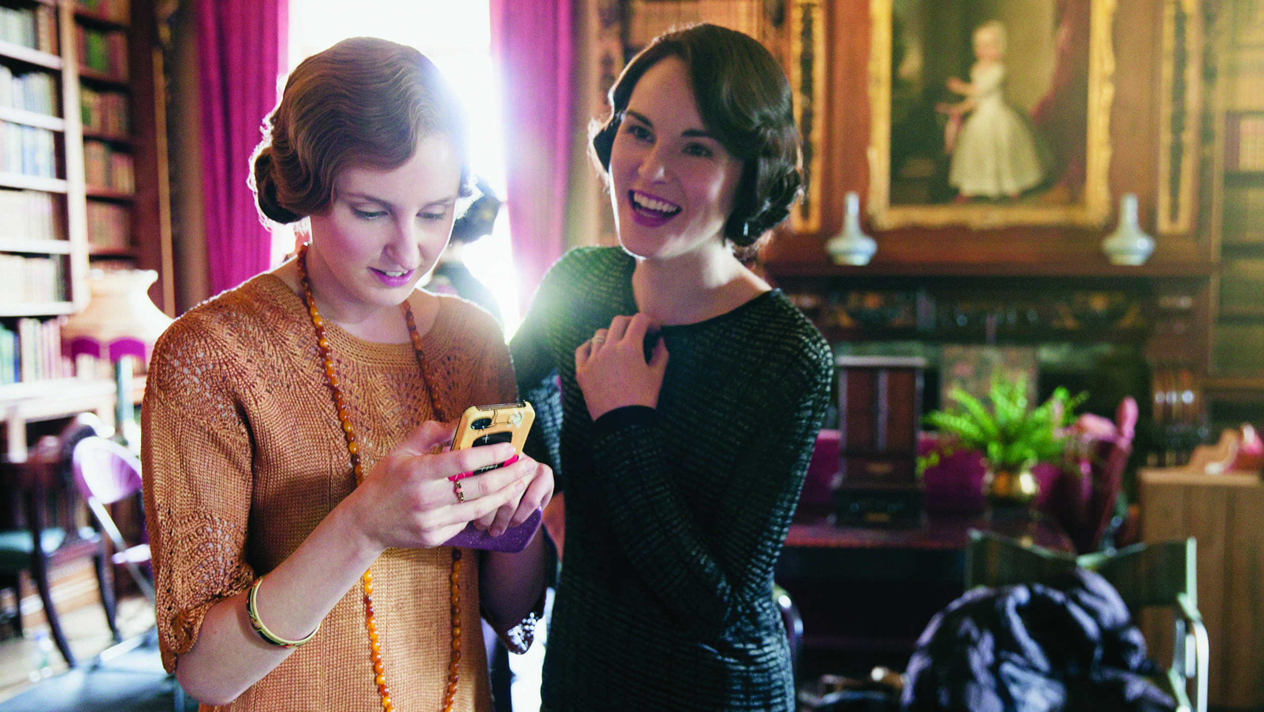 Downton Abbey Cast Lets Hair Down With Cell Phones Bananagrams Downton Abbey Downton Downton Abbey Cast